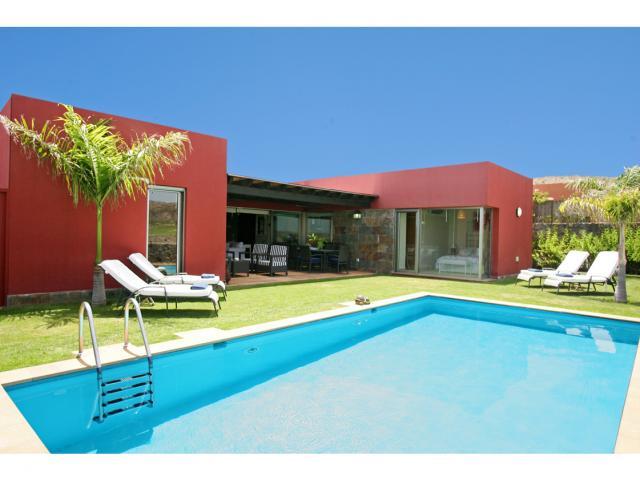 Villa for rent in salobre golf resort gran canaria for Villas salobre golf