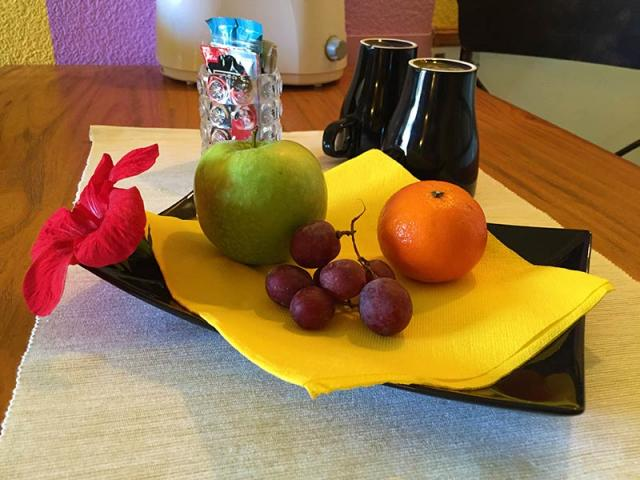 Welcome Gifts - Paso Chico Gay Bungalows, Playa del Ingles, Gran Canaria
