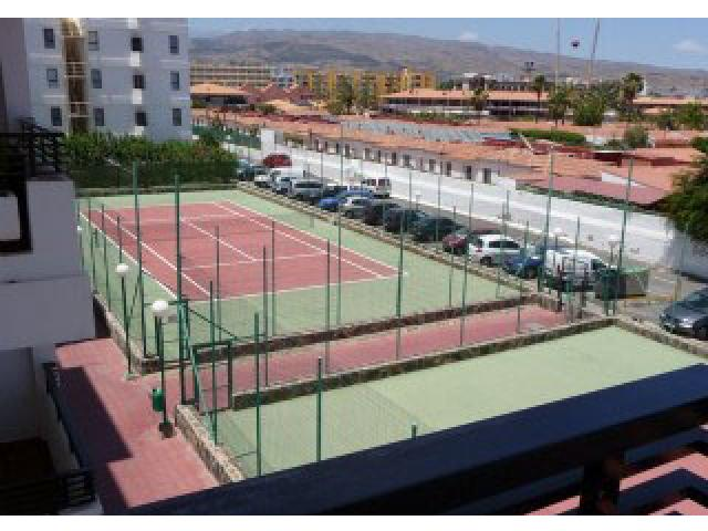 The tennis courts - Iguazu free fast wi fi, Playa del Ingles, Gran Canaria
